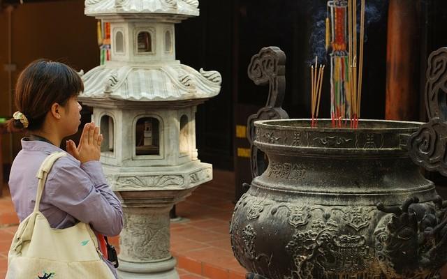 Lễ chùa đầu năm và những quan niệm sai lầm